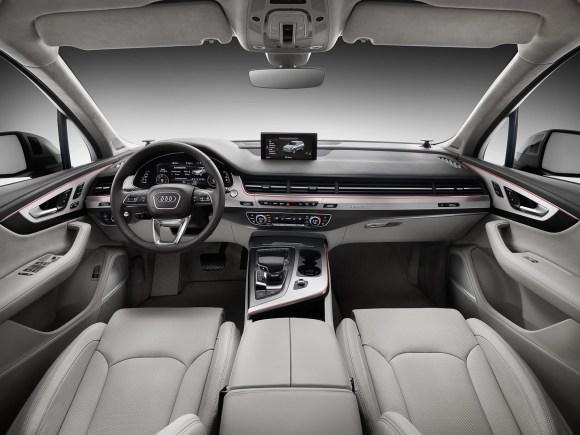 Audi-Q7-New-2016-9