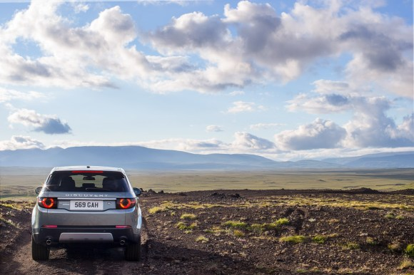 LR-Discovery-Sport-22