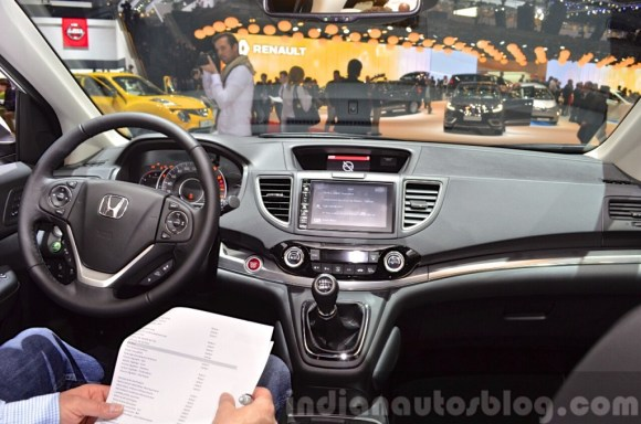 2015-Honda-CR-V-dashboard-at-2015-Geneva-Motor-Show-1024x678