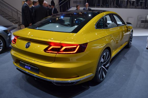 Volkswagen-Sport-Coupe-GTE-Concept-14