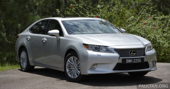 Lexus-ES-250-and-300h-34-850x449