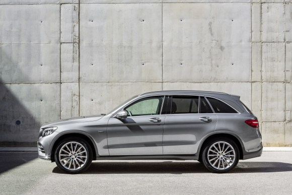Mercedes-Benz-GLC-26