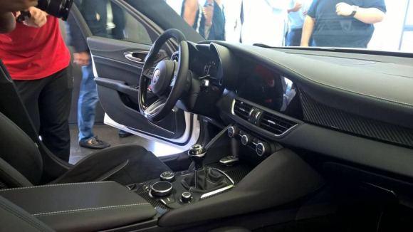 Alfa-Romeo-Giulia-Interior-full-3