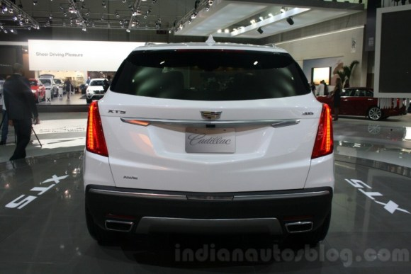 Cadillac-XT5-rear-at-DIMS-2015-900x600