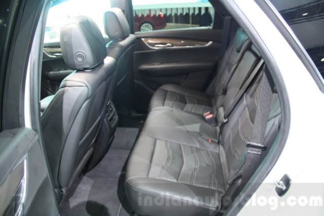 Cadillac-XT5-rear-seats-at-DIMS-2015-900x600