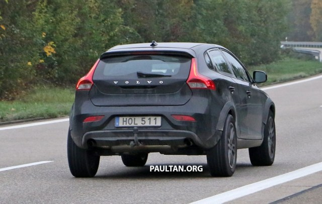 2015-volvo-xc40-test-spy-test-mule-4-copy-850x539