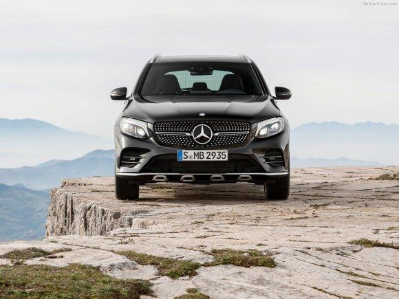 Mercedes-Benz-GLC43_AMG_4Matic_2017_1280x960_wallpaper_15