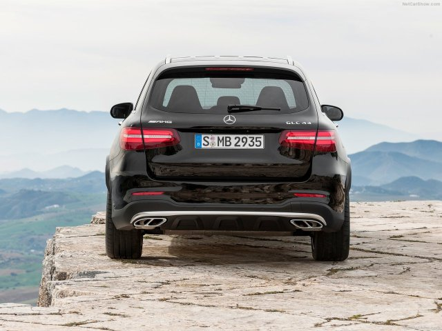 Mercedes-Benz-GLC43_AMG_4Matic_2017_1280x960_wallpaper_16