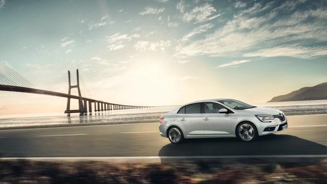 2017-renault-megane-sedan