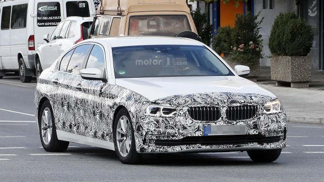 2017-bmw-5-series-sedan-spy-photo