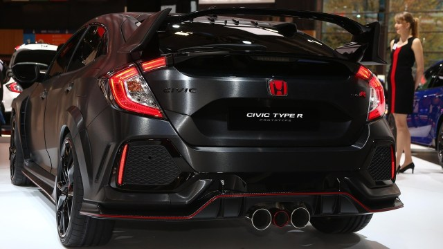 2017-honda-civic-type-r-paris-motor-show-4