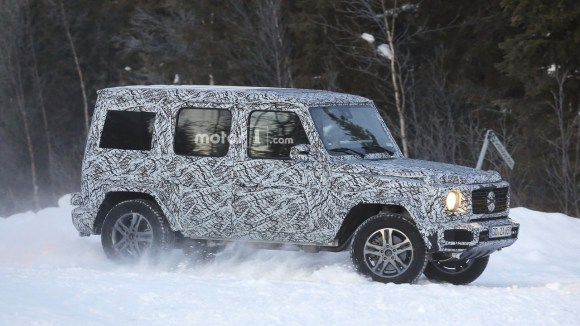 2018-mercedes-g-class-and-g63-spy-photo-1