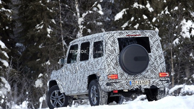 2018-mercedes-g-class-and-g63-spy-photo-3