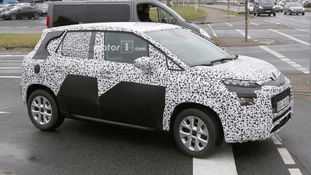 new-citroen-c3-picasso-spy-photo-2