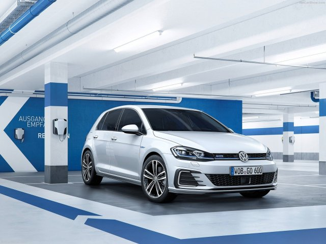 volkswagen-golf-2017-1600-04