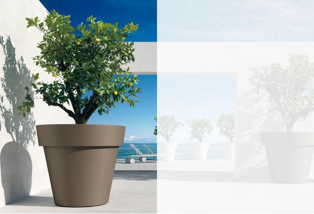 Con i portavasi da interno del nostro assortimento puoi valorizzare le tue piante e dare un tocco di stile in più alla tua casa. Vasi In Plastica Vasi Di Design Fioriere Di Design Arredo Esterni E Interni Euro3plast