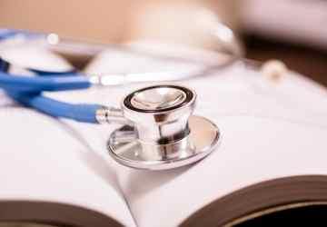 equivalencia ao grau de mestre em medicina