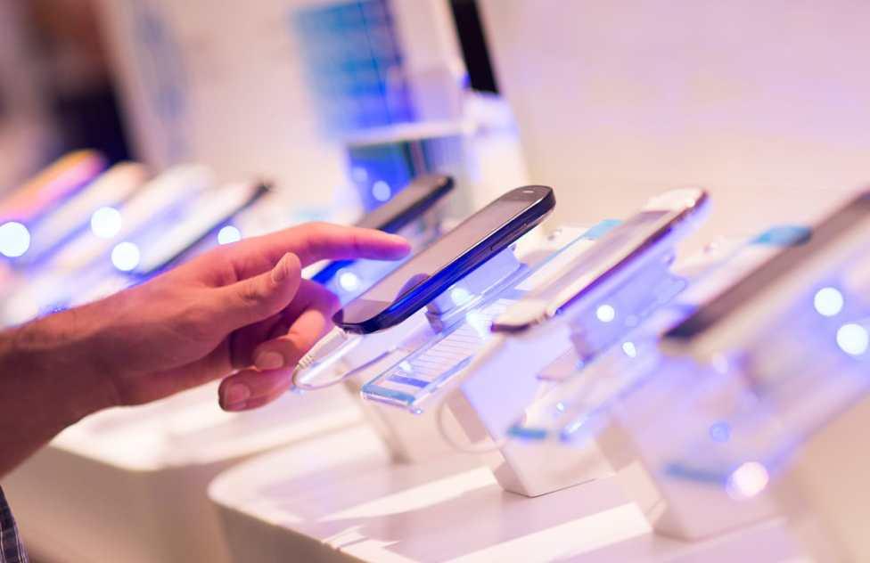 b1d9064ec Preço de celular na Espanha  confira o custo dos principais aparelhos