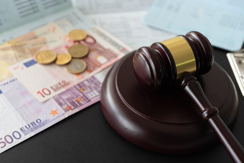 Quanto ganha um advogado em Portugal