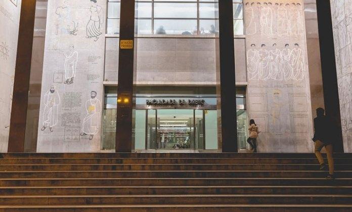 faculdade de direito em Portugal