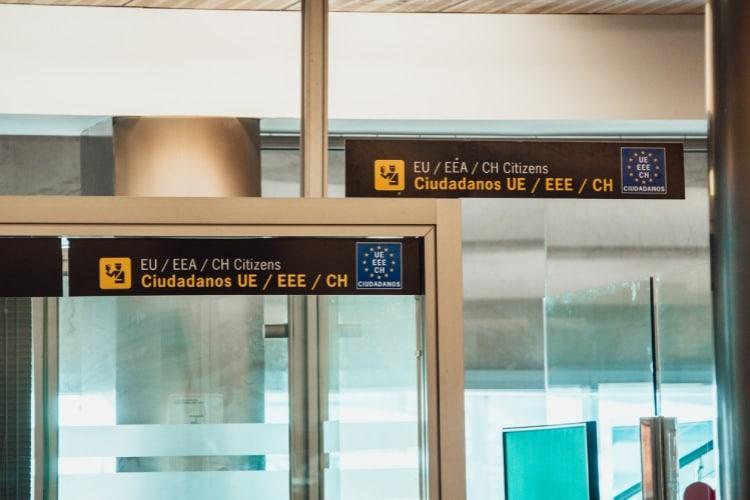 Controle de fronteira no aeroporto