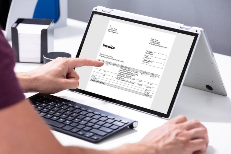 Como emitir invoice de serviço para o exterior
