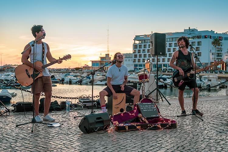 Banda The Threw toca Rock no Algarve