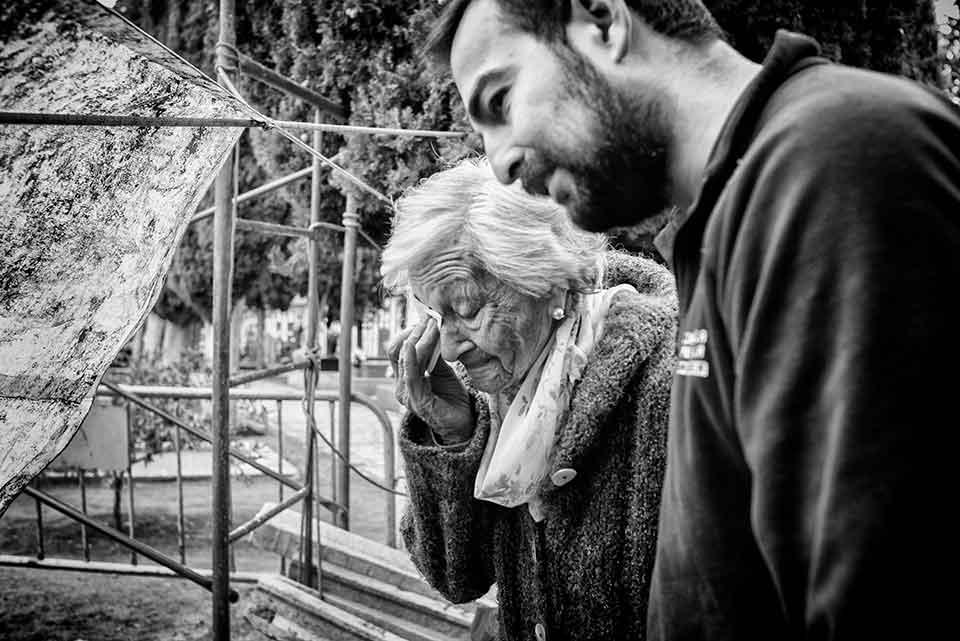 Exhumaciones en España: el fotógrafo que busca la esperanza