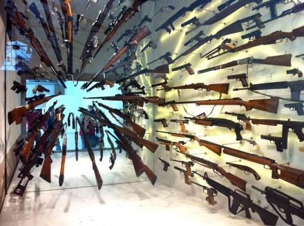 Armas exhibidas en el Museo de la PF. Foto: Especial en proceso.com.mx