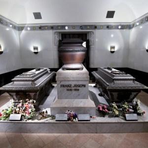 120 éve ölték meg Sisit