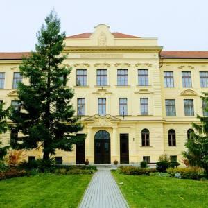 Elkergették Jeszenszkyéket a Soproni Egyetemről