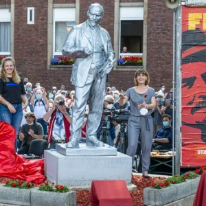 Lenin elvtárs zsíros kenyere kísért