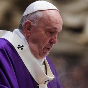 A pápa, a politika, és az emlékezet