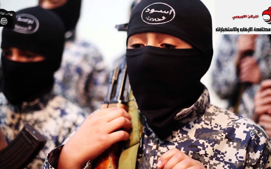 فرنسا تعيد اطفال مقاتلي تنظيم داعش من حملة الجنسية الفرنسية