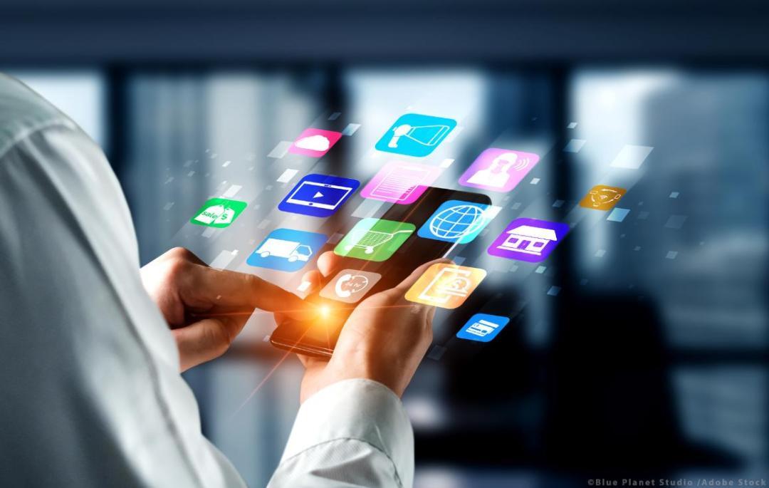 Multichannel marketing on social media network platform offer service of internet payment channel, online retail shopping and omni digital app.©AdobeStock/Blue Planet Studio