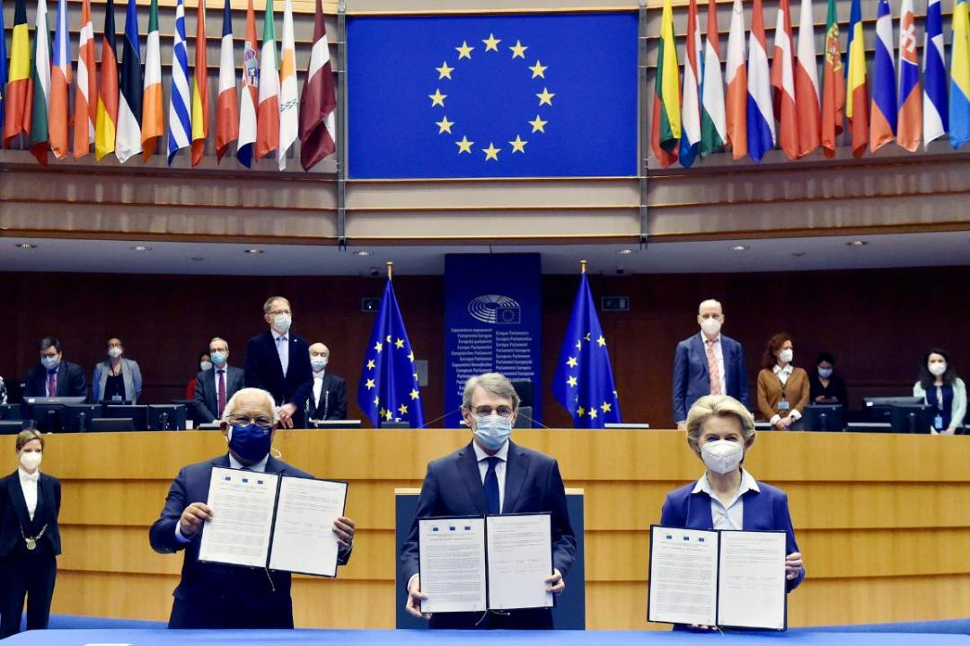 European Parliament President David Sassoli, Commission President Ursula von der Leyen and Prime Minister of Portugal, António Costa, signed the joint declaration on the Conference on the Future of Europe.