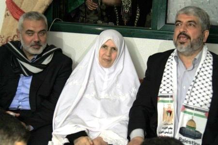 Khansa Haniyeh Meshal  Quand Malik Obama, le frère de Barack Obama, rejoignit le Hamas et déclara: «Jérusalem est à nous; nous arrivons»