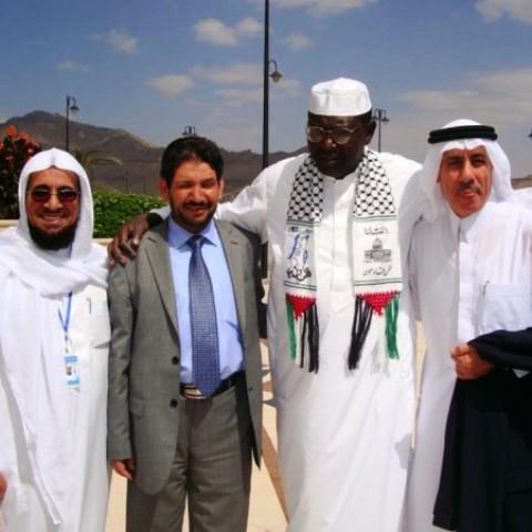 Malik Group Yemen 2010 e1390824575456 Quand Malik Obama, le frère de Barack Obama, rejoignit le Hamas et déclara: «Jérusalem est à nous; nous arrivons»