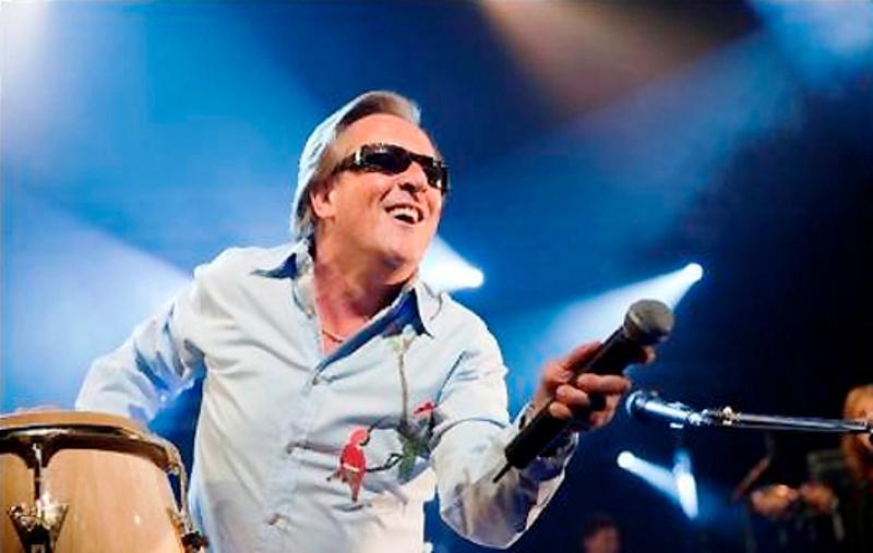 Gilbert Montagné annonce en plein concert à Tel-Aviv, qu'il fait son Alyah