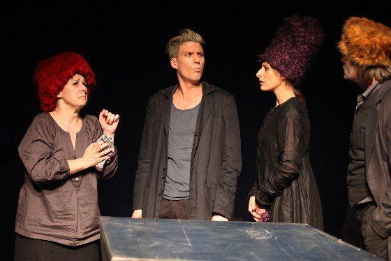 Schuld und Sühne von Dostojewskij im Theater Spiel Raum in Wien (Foto Barbara Pálffy)
