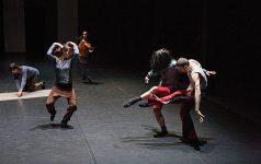TänzerInnen der Forsythe Company im Tanzquartier Wien