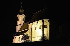 Pfarrkirche St. Nikolaus in Emmersdorf beleuchtet herkömmlich