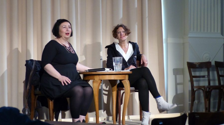 Julya Rabinowich und Anna Maria Krassnigg  beim spiel.ball im Thalhof (c) European Cultural News