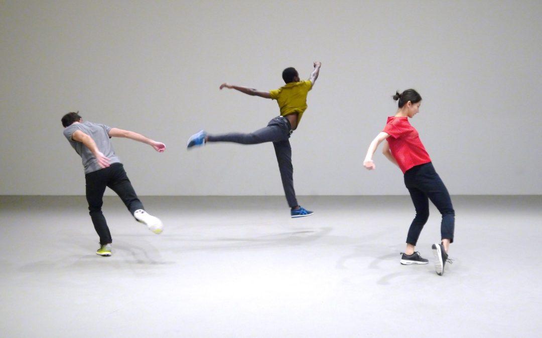 Tanz aus alltäglichem und sportlichem Bewegungsvokabular