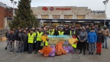 Muslim community cleans up Britain's streets in huge voluntary effort