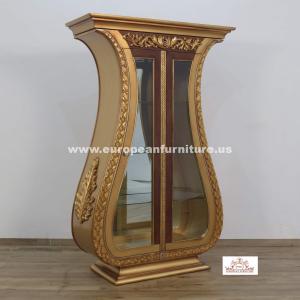 Maggiolini Curio Cabinet