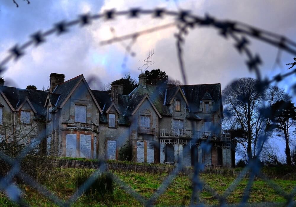 18 Creepy Haunted Or Abandoned Places In Europe
