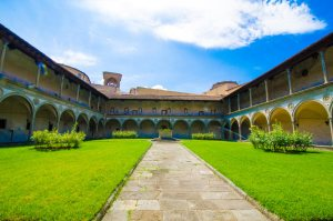 Santa Croce Large Interior courtard
