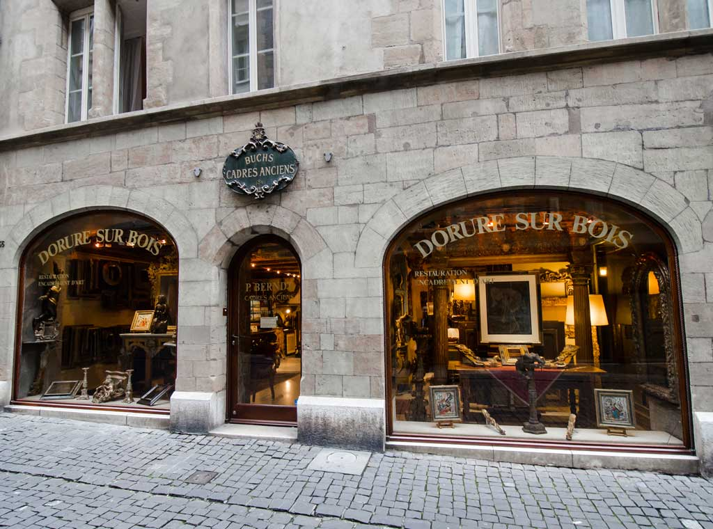 An antique store in the Old town of geneva
