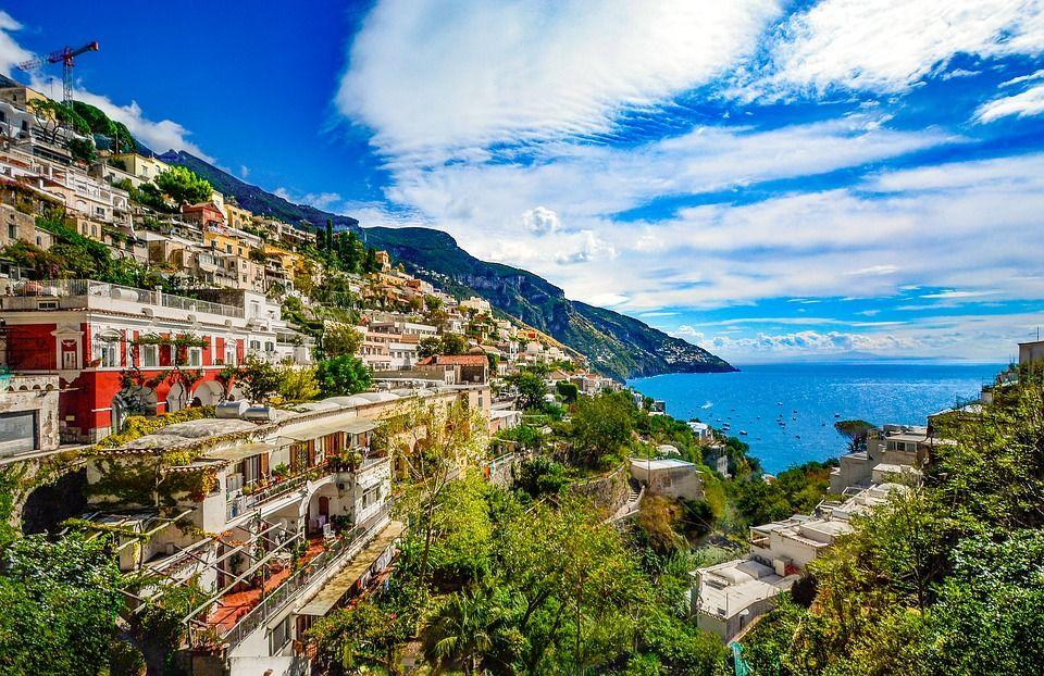amalfi coast Italy summer destination